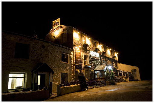 The Crown Inn Hotel at night – Photo by Rick Harrison – Yorkshire Three Peaks photo set